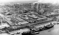 سنخیت ملی شدن صنعت نفت با انقلاب / بررسی عوامل مهم در ملی شدن صنعت نفت