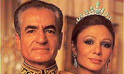 محمدرضا چگونه به نام شاه حکم میراند؟