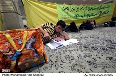 اعتکاف دانش آموزان شیرازی در مسجد حرم علی ابن حمزه (ع)