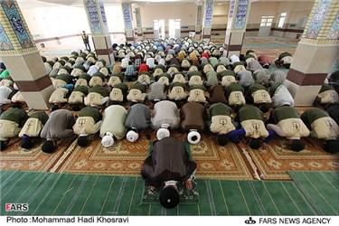 اقامه نماز جماعت در اردوی طرح ولایت  اردوگاه شهید دستغیب استان فارس
