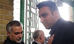 عکس/ احسان حدادی در مراسم ختم والده رئیسجمهور