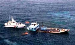 اعزام 2 لنج برای بررسی وضعیت شناور صیادی مغروق و سرنشینان آن