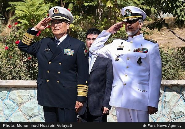 دیدار جانشین رئیس ستادمشترک ارتش چین با فرمانده نیروی دریایی ارتش