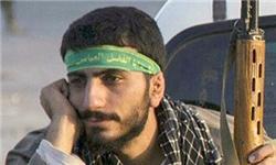 عکس یادگاری شهید مدافع حرم با مداح معروف+عکس