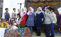 استقبال دانشآموزان بیشکک از یلدای زمستان+ عکس