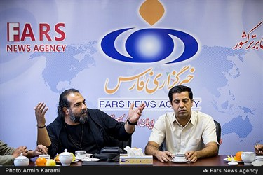 محمود اتحادی و برزو نیک نژاد در نشست نقد و بررسی سریال قرعه در خبرگزاری فارس