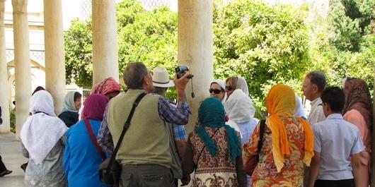 نقش راهنمایان تورهای گردشگری در دیپلماسی عمومی