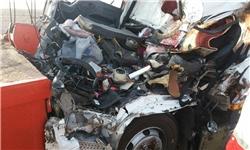 برخورد 3 کامیون در جاده بادرود ـ اردستان با 6 کشته و زخمی + تصاویر