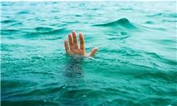 خارجسازی جسد جوان غرق شده در دریاچه سد کارون 3 / اقدامات توسط غواصان محلی صورت گرفت / عدم حضور متولیان امداد و نجات