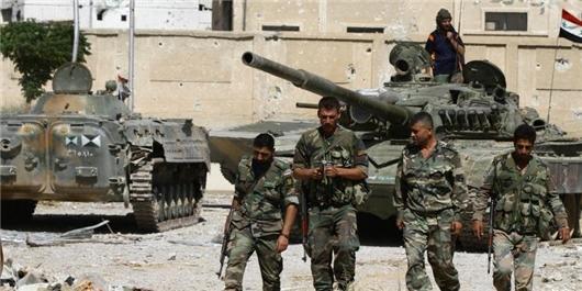ارتش تنها 32 کیلومتر تا منابع آب حلب فاصله دارد/ استفاده داعش از بمبهای خاص