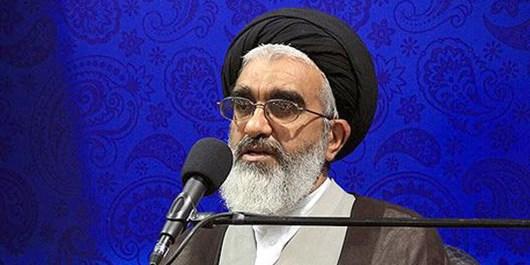انسجام داخلی نقش مهمی در حیات انقلاب اسلامی دارد