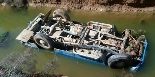 2 وسیله نقلیه در رودخانه ریگان واژگون شد