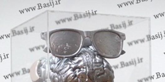 جایزه باروت خیس چهره پوشالی زورگویان را نشان میدهد