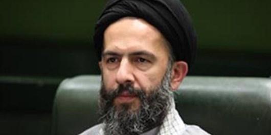 9 دی عبرتهای بزرگی برای مردم ایران به ارمغان داشت/ دشمن از هر وسیلهای برای براندازی انقلاب اسلامی استفاده میکند/ باید نگاهمان را معطوف به نگاه تیزبین و بصیرتآمیز رهبر کنیم