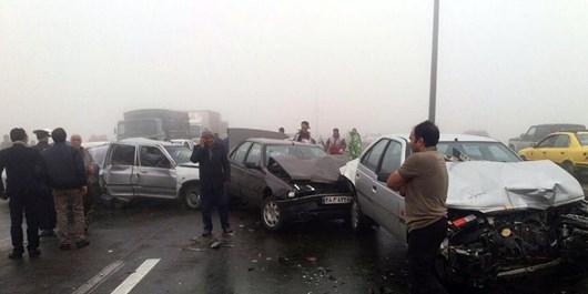 تصادف زنجیرهای 20 خودرو در محور گرگان به کردکوی / حضور سریع نیروهای امدادی برای مدیریت صحنه