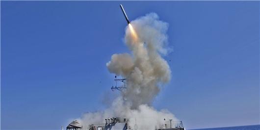 آمریکا به پایگاه هوایی ارتش سوریه حمله کرد