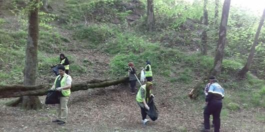 پارک جنگلی امام رضا (ع) کردکوی پاکسازی شد + تصاویر