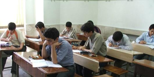 میز و نیمکتهای فرسوده مدارس ناحیه 3 تعمیر و بازسازی میشود
