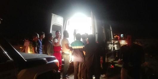 برخورد اتوبوس با خاور در اتوبان نطنز کاشان+تصاویر