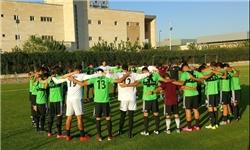 یک دقیقه سکوت در تمرین تیم ملی فوتبال برای قربانیان حملات تروریستی تهران