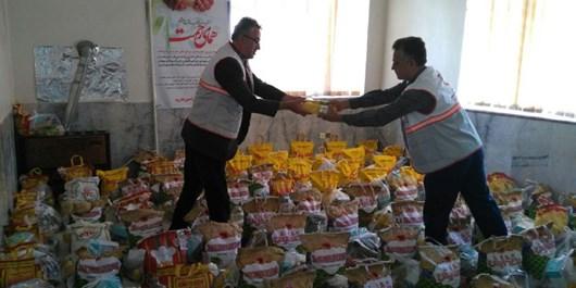 توزیع 300 بسته غذایی طرح ملی همای رحمت در بادرود