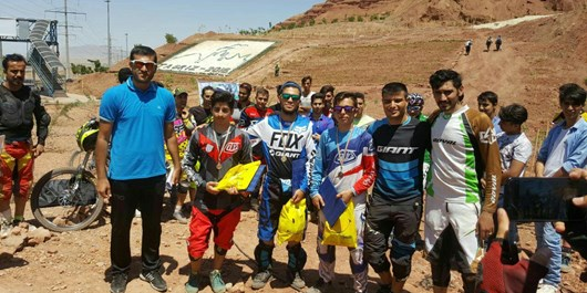 مسابقات دوچرخهسواری کوهستان در ارتفاعات «عینالی» برگزار شد/ تصاویر