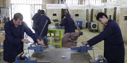 ارائه بیش از 280 هزار ساعت آموزش به هنرجویانمهریزی/اجرای طرح آموزش مهارت در محل کار واقعی