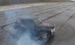 فیلم/ تبدیل ماشین ۶۱ سال پیش به ماشین مسابقه