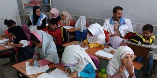 کارکنان مرکز انتقال نفت امام تقی (ع) به دانشآموزان کمبضاعت کمک کردند