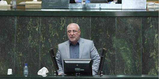 پیگیری برای بازگشت 14 میلیارد تومان مالیات پالایشگاه اصفهان/ مالیات آلایندگی صنایع در شهرستانهای مربوطه هزینه شود