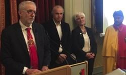 رهبر اپوزیسیون انگلیس، برنده «جایزه صلح شان مکبراید» شد