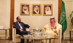 دیدار رئیس معارضان سوری با وزیر خارجه عربستان سعودی در ریاض