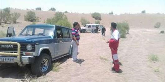 نجات ۵ دانشجوی گرفتارشده در كوير خوسف توسط پلیس