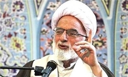 دشمنان به دنبال غارت منابع جهان اسلام هستند