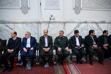 محمد جواد آذری جهرمی و سردار محمدعلی جعفری در مراسم بزرگداشت جانباختگان نفتکش سانچی