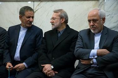 محمدجواد ظریف، علی لاریجانی و اسحاق جهانگیری  در مراسم بزرگداشت جانباختگان نفتکش سانچی