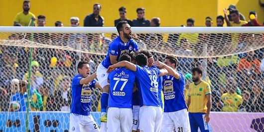 شانس استقلال برای قهرمانی در جام حذفی بسیار است/ منصوریان نتوانست تیم را از لحاظ فنی مدیریت کند