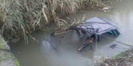 سقوط پژو ۴۰۵ به رودخانه در هشترود+ عکس