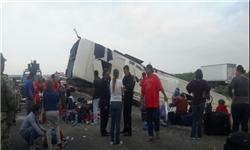 21 کشته و زخمی در پی واژگونی اتوبوس در مکزیک+عکس