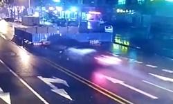 فیلم/ پرتاب شدن خودرو در گودال 6 متری!