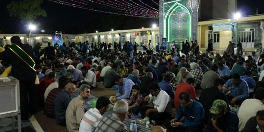بزرگترین سفره افطاری ساده گلستان در خوان گسترده حضرت یحیی بن زید (ع) + تصاویر