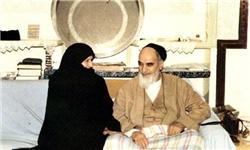 وقتی بانو قدس ایران با دیدن لباسهای کهنه امام گریست