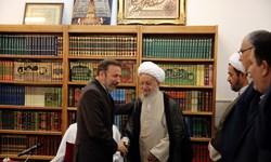 رئیس دفتر رئیسجمهور با آیتالله مکارم شیرازی دیدار کرد