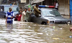 لاهور زیر آب + تصاویر
