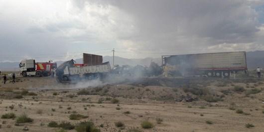آتشسوزی خودروی باری در جاده دامغان- شاهرود