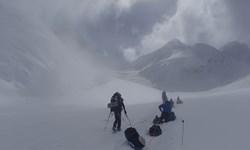 با وجود گذشت 4 روز از  جستجو؛ خبری از کوهنورد مفقود شده در لواسان نیست