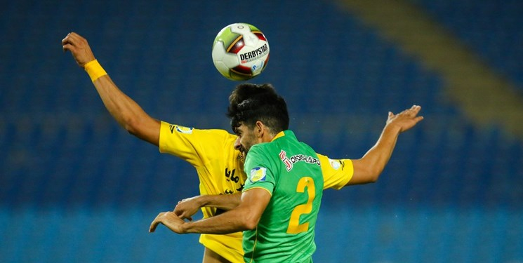نوروزی: فوتبالیست ایرانی توان بازی فشرده را ندارد/ باشگاههای ما تنها نام حرفهای را یدک میکشند