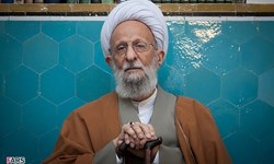 حجتالاسلام علی مصباح: روند درمان آیتالله مصباح یزدی در منزل در جریان است
