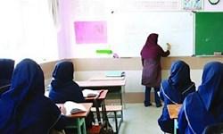 معلم درگیر معیشت چگونه به دانشآموزان درس دهد؟