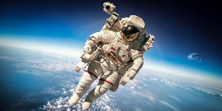 نخستین زن  فضانورد به «ماه» میرود